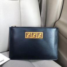フェンディ FENDI クラッチバッグ メンズ 良品 2117コピーバッグ 販売