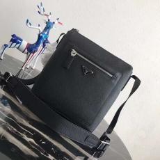 ブランド安全プラダ PRADA 斜めがけ メンズ 送料無料 2VH062スーパーコピーバッグ専門店