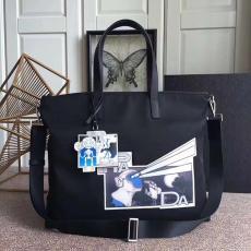 ブランド販売プラダ PRADA メンズ/レディース ボストンバッグ 斜めがけ ショッピング袋  2色  良品 2VG024レプリカ激安バッグ代引き対応