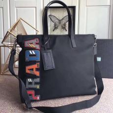 プラダ PRADA メンズ/レディース ボストンバッグ 斜めがけ 2色 ショッピング袋  新作 2VG024スーパーコピーバッグ国内発送専門店