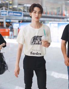 ブランド安全グッチ GUCCI メンズ/レディース カップル クルーネック  Tシャツ 綿 新作スーパーコピー激安安全後払い販売専門店