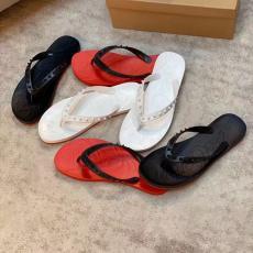 クリスチャンルブタン Christian Louboutin 3色 定番人気  サンダル スリッパ ビーチサンダルレプリカ販売靴