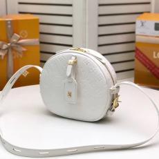 ブランド販売ルイヴィトン LOUIS VUITTON 斜めがけ ショルダーバッグ 2色 新作 エンボスコピー 販売バッグ