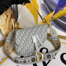 ディオール Dior ショルダーバッグ 斜めがけ 送料無料 2色スーパーコピー激安販売専門店