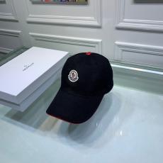 モンクレール MONCLER メンズ/レディース カップル キャスケット帽  クラシック  軽量で通気性 2色 定番人気  キャンバス 牛革レプリカ販売
