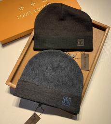 ブランド通販ルイヴィトン LOUIS VUITTON メンズ/レディース カップル 秋冬 ニット 毛糸の帽子 4色 定番人気  暖ブランドコピー代引き