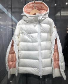 モンクレール MONCLER レディース 2色 秋冬 ダウン  防寒着 良品スーパーコピー激安販売