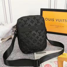 エンボス LOUIS VUITTON ショルダーバッグ 斜めがけ 胸バッグ メンズ ルイヴィトン 累積売上額第1位獲得 即対応 定番人気スーパーコピーバッグ激安販売専門店