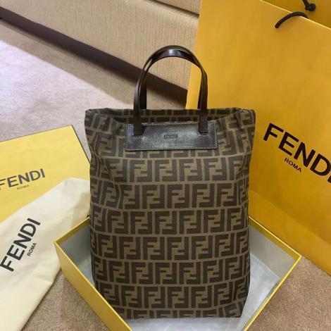 モノグラム トートバッグ 安心送料関税込 FENDI フェンディ おすすめコピー口コミ
