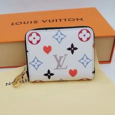 LOUIS VUITTON ルイヴィトン 短財布 2色 新入荷 世界中で大人気 先取り! コインケース カードポケット M80305ブランドコピー 国内優良工場直売サイト届く