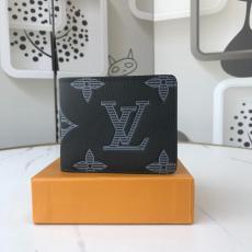 ルイヴィトン 他の人と差を 大人気 LOUIS VUITTON 二つ折財布 メンズ 送料無料 M60895 軽量で耐久性 新品同様  カードポケットレプリカ財布 代引き工場直営店