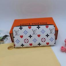 長財布 話題の新作 安心の国内発送 新作 おすすめ ルイヴィトン LOUIS VUITTON 2色 M57491レプリカ財布 代引き