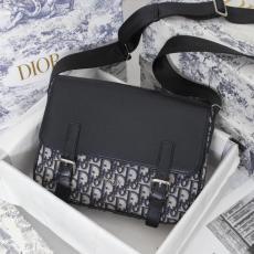 ディオール Dior メンズ ショルダーバッグ 斜めがけ メッセンジャーバッグ 大小オプション 大人気 即完売必至  安心送料関税込 良品 新作 通勤やレジャーに最適 クラシックスーパーコピー代引き安全優良サイト