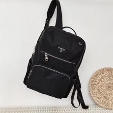 安心送料関税込 高品質 PRADA レディース バックパック 黒色 プラダ 良品本当に届くブランドコピー工場直営店