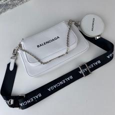 バレンシアガ 大人気新作 2色 斜めがけ ショルダーバッグ トートバッグ BALENCIAGA スリーピーススーツ 送料無料本当に届くブランドコピー 工場直営口コミ国内安全後払いおすすめ店