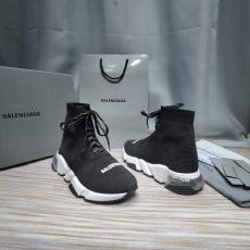 カップル BALENCIAGA 靴下靴   おすすめ 2色 バレンシアガ 男女兼用 大人気 新作入手困難スーパーコピー 国内後払い優良工場直売サイトline
