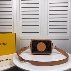 FENDI 斜めがけ ショルダーバッグ カメラバック フェンディ 6色 関税込 美品 0997本当に届くブランドコピー 口コミ後払い店