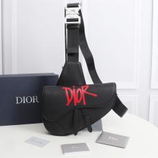 人気商品 早い者勝ち ディオール Dior 斜めがけ 胸バッグ 2色 サドルバッグ  人気 牛革コピーブランドバッグ代引き