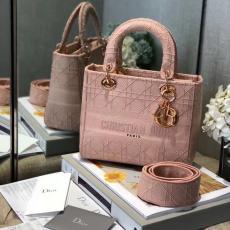 大人気 即完売必至 Dior レディース ショルダーバッグ トートバッグ お洒落に 大人気 ディオール 斜めがけ  マルチカラーが選択可能スーパーコピー販売工場直営口コミ代引き店