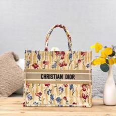 最新作人気 ディオール ショッピング袋 トートバッグ Dior 3色 キャンパスバッグ 刺繍 注目度抜群ブランドコピー 国内後払い優良サイト