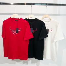 プラダ 新作 3色 クルーネック Tシャツ PRADA 争奪戦☆レア 累積売上額TOP3 メンズ/レディース カップル 綿 高品質本当に届くブランドコピー安全後払い代引き店