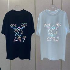 カップル Tシャツ 2色 ルイヴィトン    大判新作を先取り LOUIS VUITTON メンズ/レディース クルーネック 高評価   国内発送&関税込スーパーコピー販売優良店