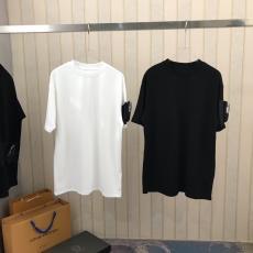PRADA メンズ/レディース Tシャツ クルーネック 最新作人気 プラダ 2色 カップル シンプルなファッション 他の人と差をレプリカ激安代引き対応