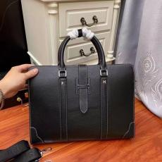 エルメス 黒色 ビジネスバッグ  HERMES トートバッグ ショルダーバッグ 斜めがけ  メンズ 最新作人気 通勤にも カジュアル 百搭  2261-1 ファッション 流行  他の人と差をコピー代引きn級品
