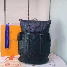 大容量 リュック ルイヴィトン メンズ 黒色  話題の新作 セレブ愛用 早い者勝ち LOUIS VUITTON M41379/M55699 エンボス偽物販売口コミ工場直営