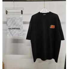 バレンシアガ BALENCIAGA 新作Tシャツラウンドネック メンズレディース快適スーパーコピー代引き安全優良工場直売信用できるサイト