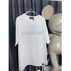 完売人気 BALENCIAGA バレンシアガ 字母ロゴ 定番綿半袖プリント2色最高品質コピーTシャツ買ってみた