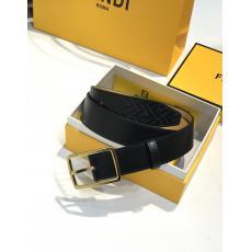 フェンディ FENDI 品質保証牛革新作幅3.5cm2色レプリカ販売ベルト